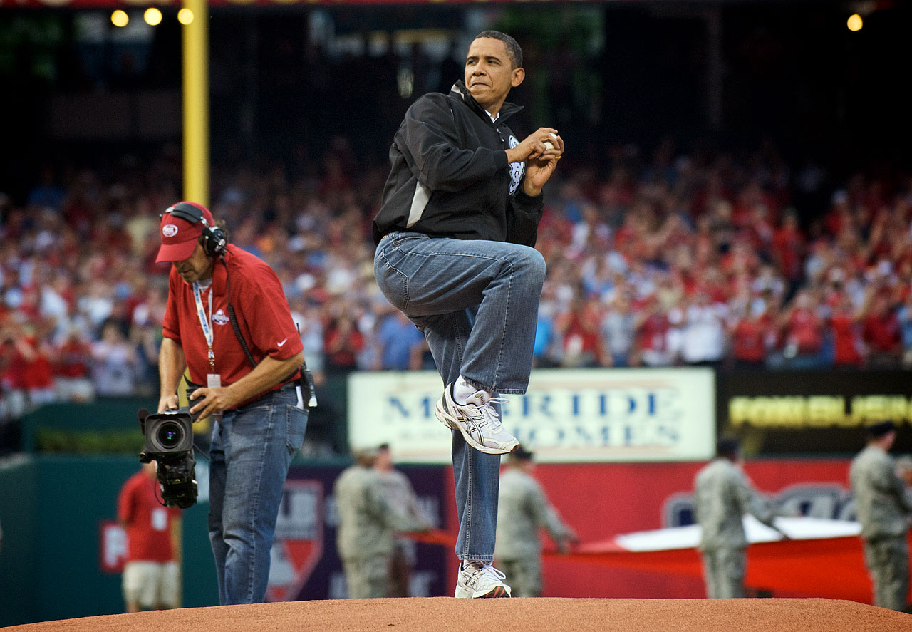 Before the AL extended its unbeaten streak to 13 at the 2009 All-Star Game in St. Louis, President Obama, wearing a jacket of the White Sox, his favorite team, became the fourth president to throw out the first pitch at an All-Star Game and the first since George H.W. Bush in 1992 in San Diego.