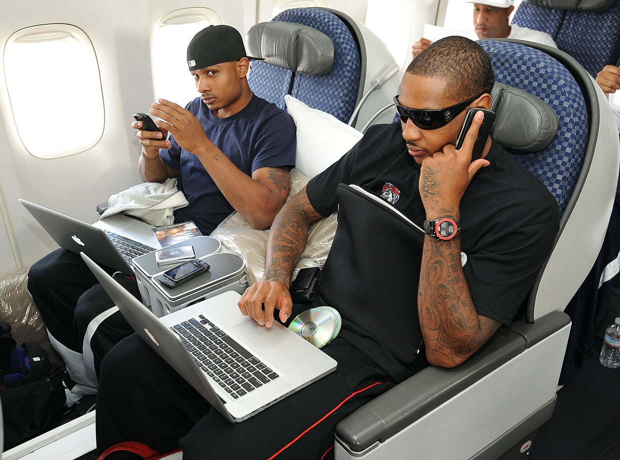 'Melo and Dontaye Draper travel with all the amenities.