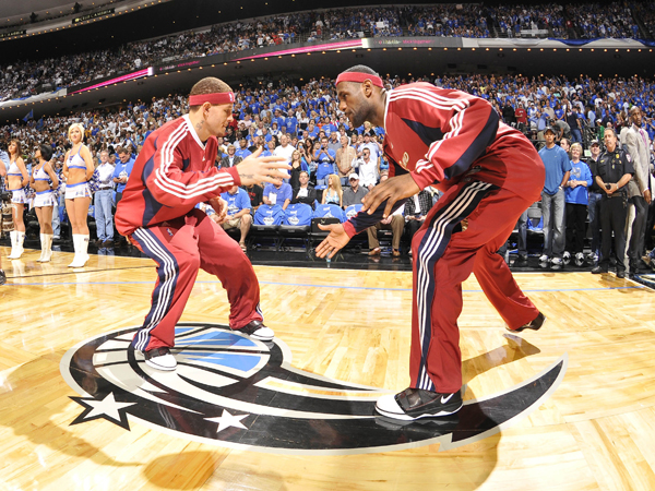 Delonte West and LeBron James :: Getty Images