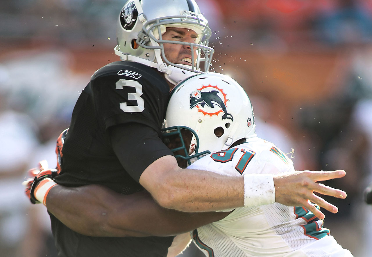 The Oakland Raiders traded for Palmer in October 2011 after starting quarterback Jason Campbell was ruled for the season. Palmer started nine games, losing five, including a 34-14 setback against the Miami Dolphins.