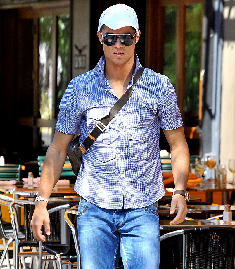 Cristiano Ronaldo leaves Da Silvano Restaurant in New York City after having lunch.
