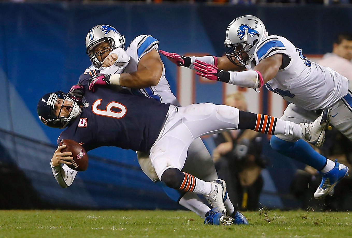 In an October 2012 game against the Chicago Bears, Suh laid a controversial but decidedly legal hit on quarterback Jay Cutler, a player that he has terrorized in the past. Suh chased Cutler to the sidelines before grabbing his shoulder pad and violently driving the quarterback into the ground. The NFL determined not to fine Suh for the hit.
