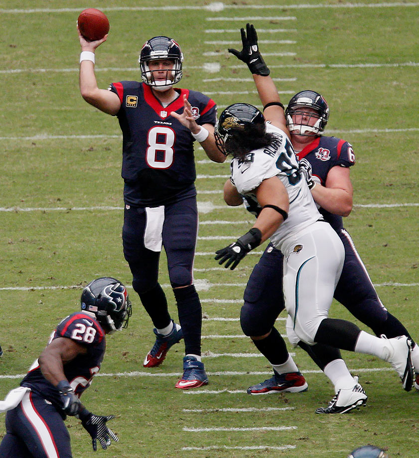 43 of 55 for 527 yards and five touchdowns in a 43-37 win over the Jacksonville Jaguars at Reliant Stadium in Houston.