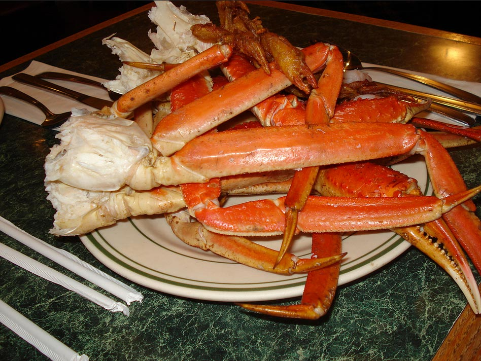 According to a recruit on an official visit during last month's Clemson game, Florida State served crab legs as part of a halftime buffet.