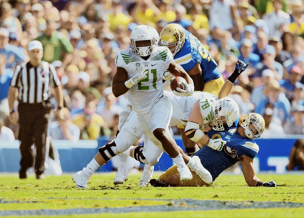 Oregon rebounded from its only loss of the season by beating UCLA in the Rose Bowl. The Bruins made things a little interesting when they shrunk the Ducks' 42-10 lead to 42-30 with 2:47 remaining. Mariota scored four total touchdowns while Royce Freeman rushed for 121 yards and two scores.