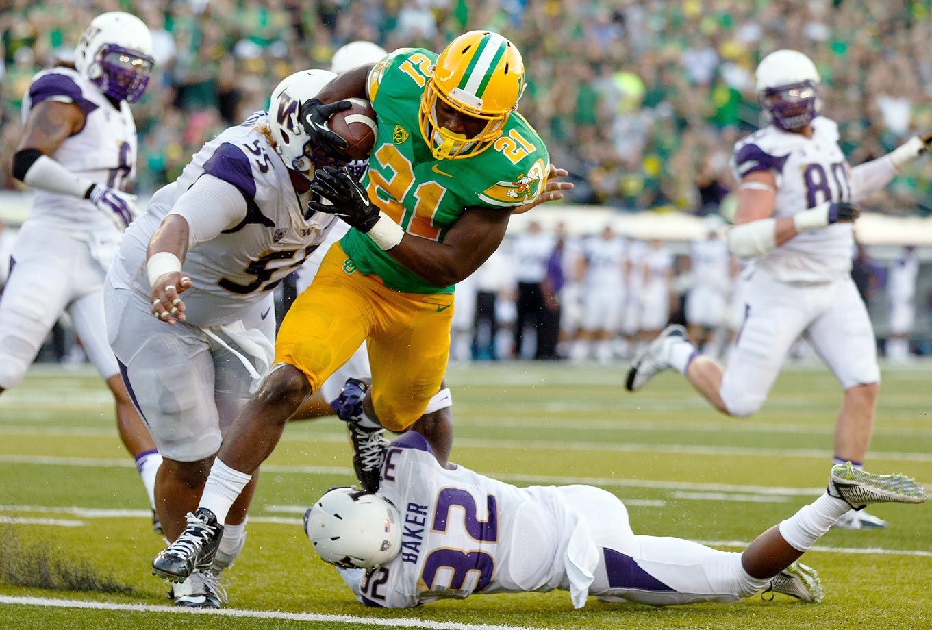 The Ducks won their 11th straight over the Huskies as Freeman rushed 29 times for 169 yards and four touchdowns.