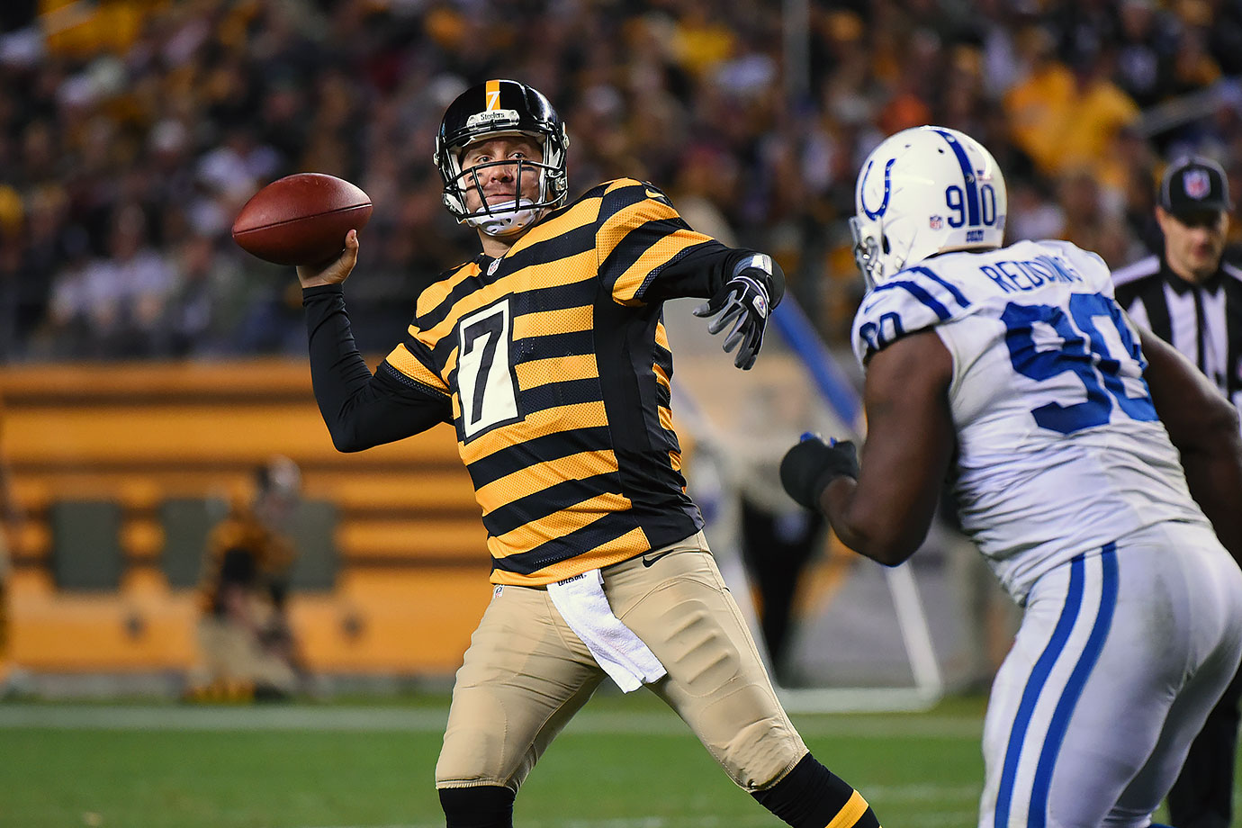 40 of 49 for 522 yards and six touchdowns in a 51-34 win over the Indianapolis Colts at Heinz Field in Pittsburgh.