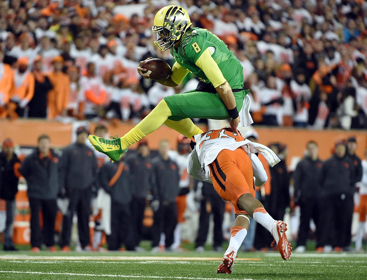 The 118th playing of the Civil War was really no contest -- the Ducks scored 30 points before the Beavers got on the boards and Mariota totaled six touchdowns (four through the air).