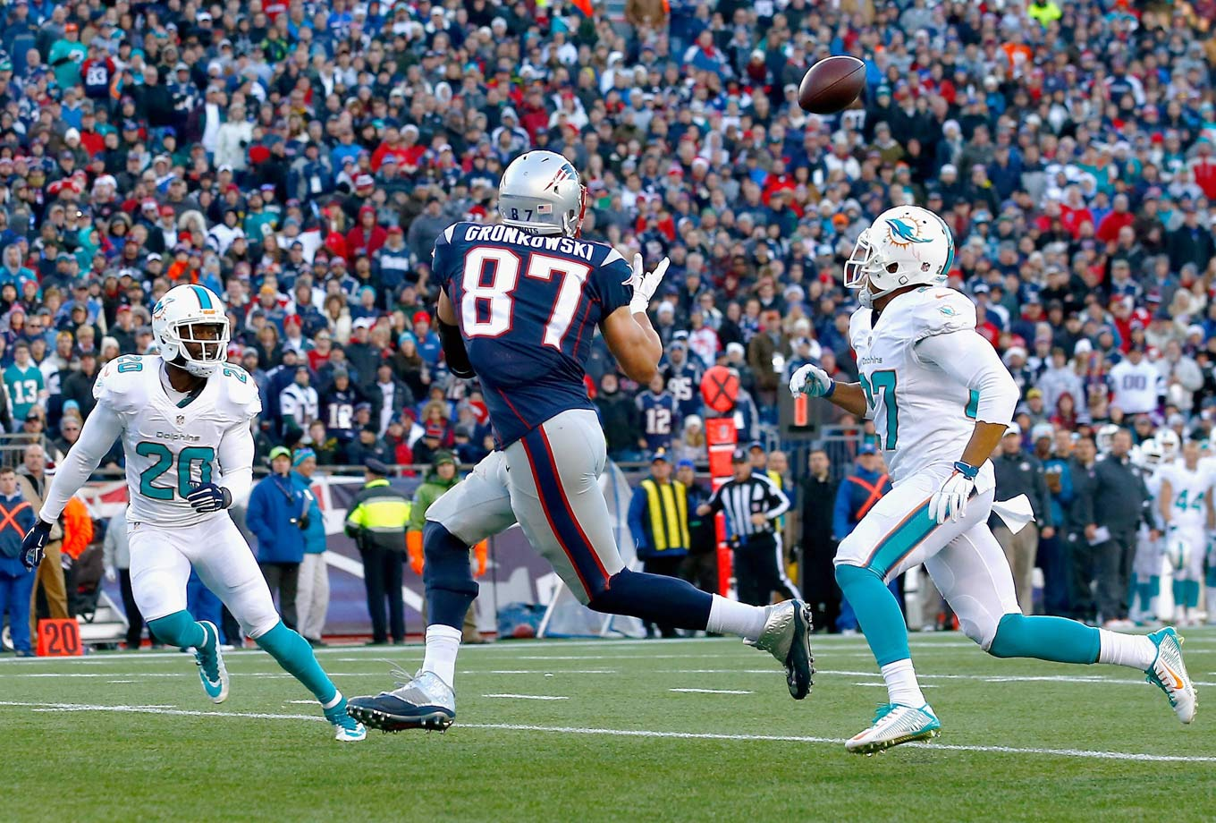 New England avenged their first loss of the season with a 41-13 shellacking of Miami, clinching the AFC East in the process. The Patriots slammed the Dolphins with 24 points in the third quarter alone, the highest-scoring third quarter in team history. Gronkowski's three catches were good for 96 yards and a touchdown.