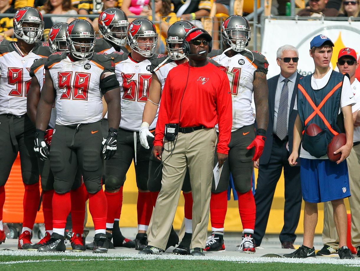 At least coach Greg Shiano, fired after the team went 4-12 last season, got the Bucs defense to play hard while opponents were in victory formation.  Now this ugly team has been outfitted in uglier new uniforms and the Lovie Smith era is off to a 2-9 start, with both wins coming on the road. Not much for fans to cheer for in Tampa.