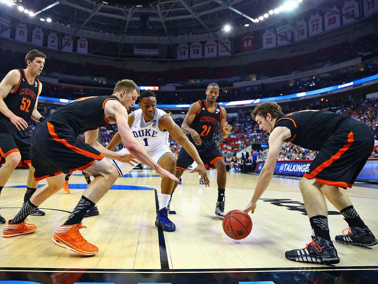 The 14th-seeded Bears stunned the No. 3 Blue Devils, 78-71. Jakob Gollon led Mercer with 20 points, shooting 9-for-9 on free throws, while Duke's freshman star Jabari Parker struggled, turning the ball over four times. Mercer scored 11 straight points during a late 20-5 run that clinched the biggest victory in school history.