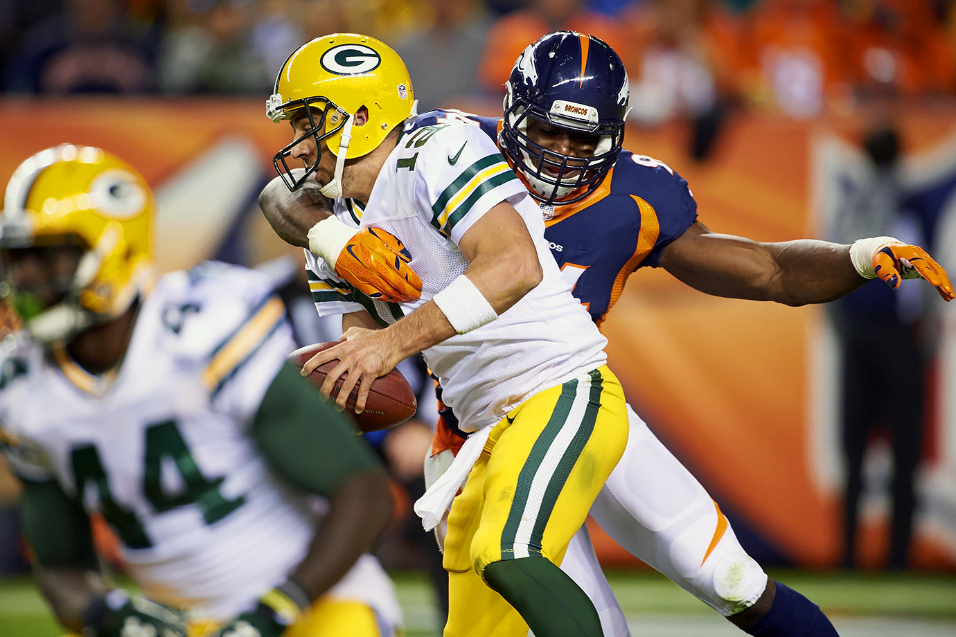 Denver jumped out to a 17-0 lead at Green Bay behind a stout defense and effective running game. The Broncos held quarterback Aaron Rodgers to just 77 yards and sacked him three times. Hillman had 60 yards rushing and two touchdowns on 19 carries, while fellow running back C.J. Anderson had 101 yards on the ground with one score. This game was never in doubt for the Broncos, who moved to 7-0 heading into a matchup with Manning's old team, the Indianapolis Colts.