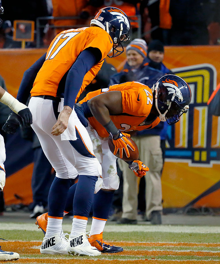 Now 10-4, the Broncos hosted the A.J. McCarron-led Cincinnati Bengals. After falling in a 14-0 hole, Osweiler threw a touchdown to Sanders and Anderson rushed for a 39-yard touchdown to take the lead in the second half. The Bengals sent the game to overtime on a 52-yard field goal. McManus hit a 37-yard field goal in overtime to win the game for Denver, making it 11-4 heading into the last week of the season.