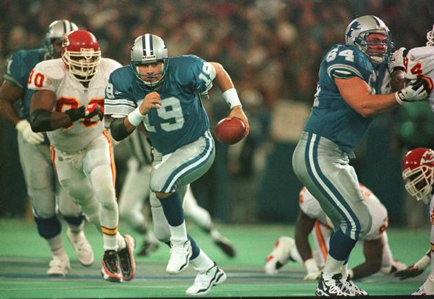 Detroit Lions quarterback Mitchell against the Kansas City Chiefs defense in 1996.