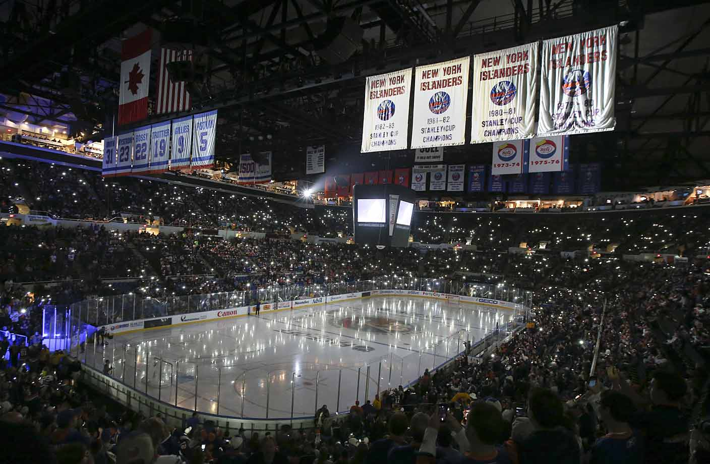 The old barn's final season opened on Oct. 11 as the surprising Islanders hosted Carolina.