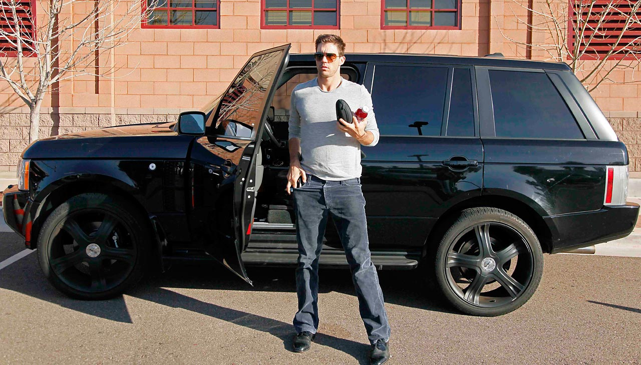 Barry Zito arriving at Giants spring training at Scottsdale Stadium in 2010.