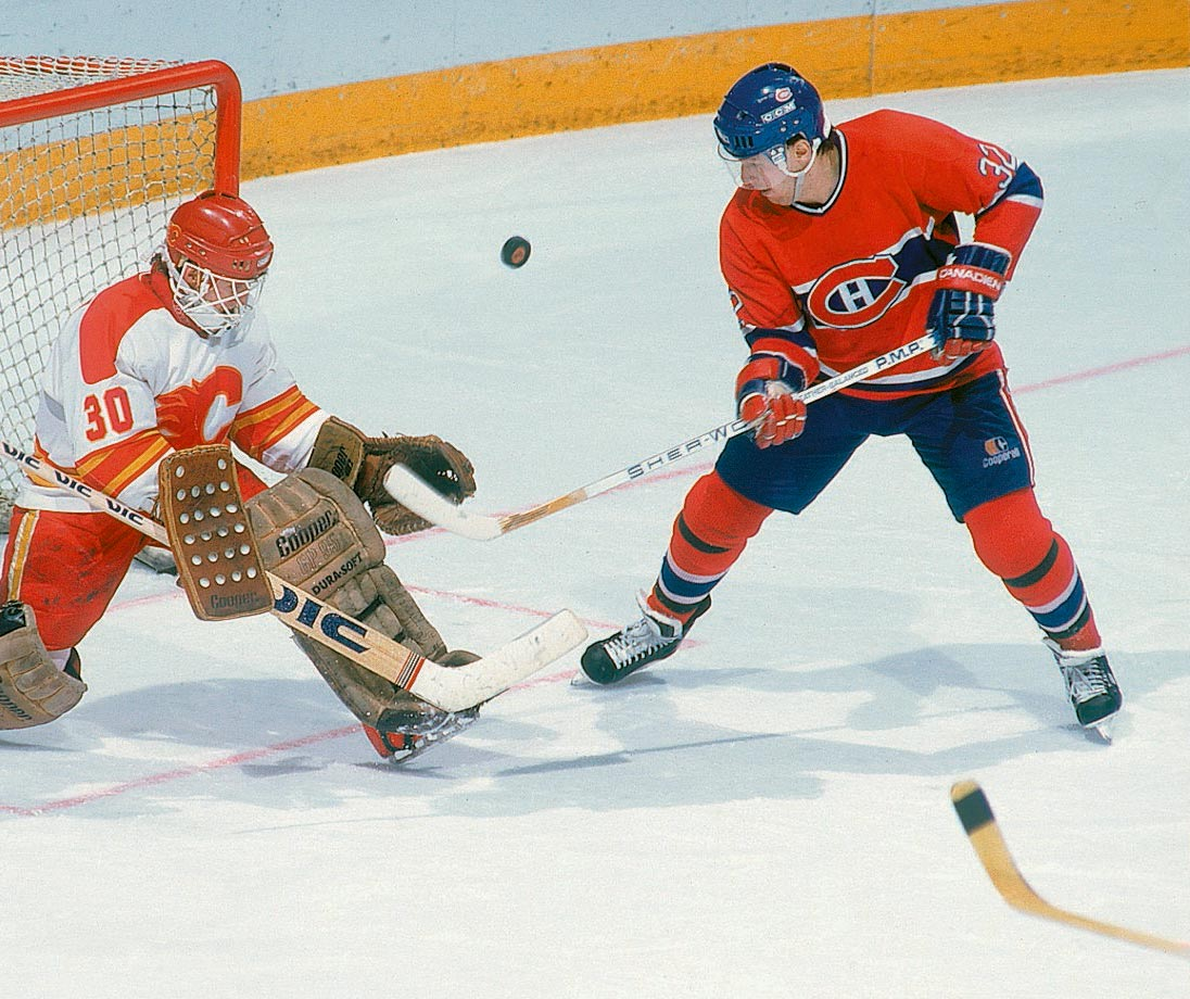 The feisty Lemieux edged out Dale Hunter by virtue of his legendary playoff heroics that included the 1995 Conn Smythe.