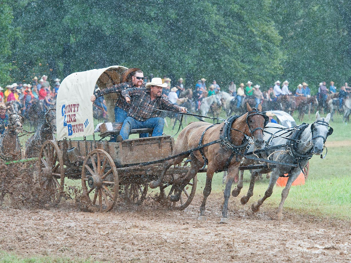 "Team ""County Line Bunch"" doesn't let the rain effect their run during the Classic Wagon Division."