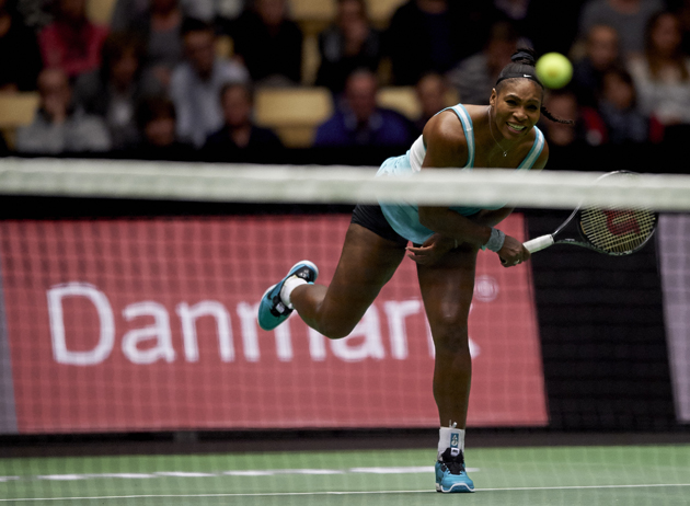Serena returns a ball against Ivanovic at the Energi Danmark Champions Battle.