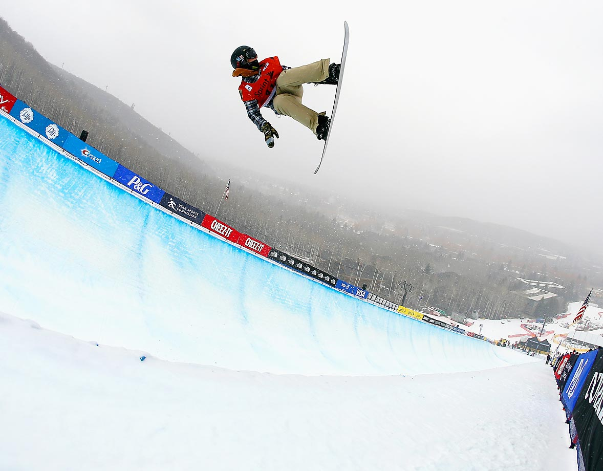 Nathan Jacobson competes during qualifying for the FIS Snowboard World Cup 2015 Men's Snowboard Halfpipe during the U.S. Grand Prix.