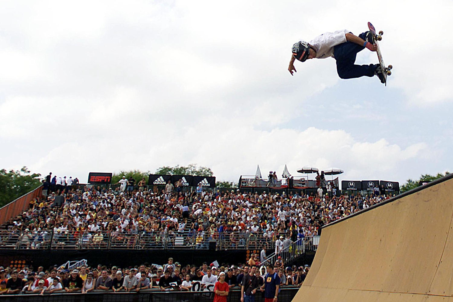 Roman Hackl warms up before the start of the Men's Skateboard Park Final's during the 2001 Summer X Games at the First Union Complex in Philadelphia, PA, 20 August 2001.