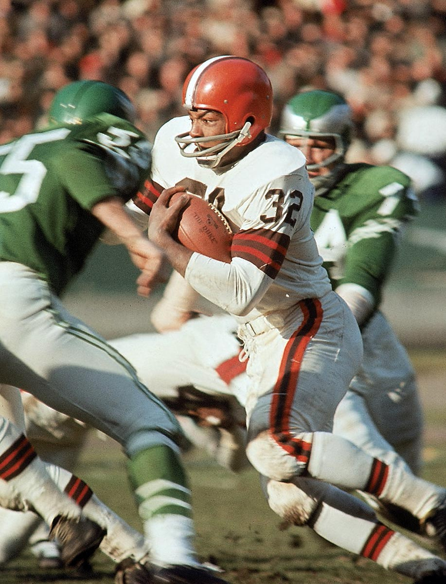 Cleveland, Nov. 29, 1964 | Browns running back Jim Brown weaves his way through the Philadelphia defense during the 1964 season.