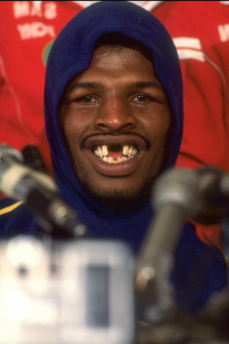 Feb. 27, 1978 | Leon Spinks, known for his gap-toothed smile, won a 15-round decision over Muhammad Ali on Feb. 15, giving him the heavyweight title in only his eighth professional fight. It was the fastest ascent ever.
