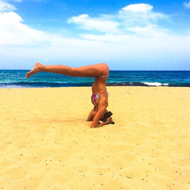 #BodyByIza practicing yoga on the beach!!! Let's stretch everyone!! #ibiza #yoga #thebestfeeling #body #fit #motivation #nonstop