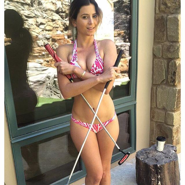 Mini golf (snapchat: Anastasia Ashley)