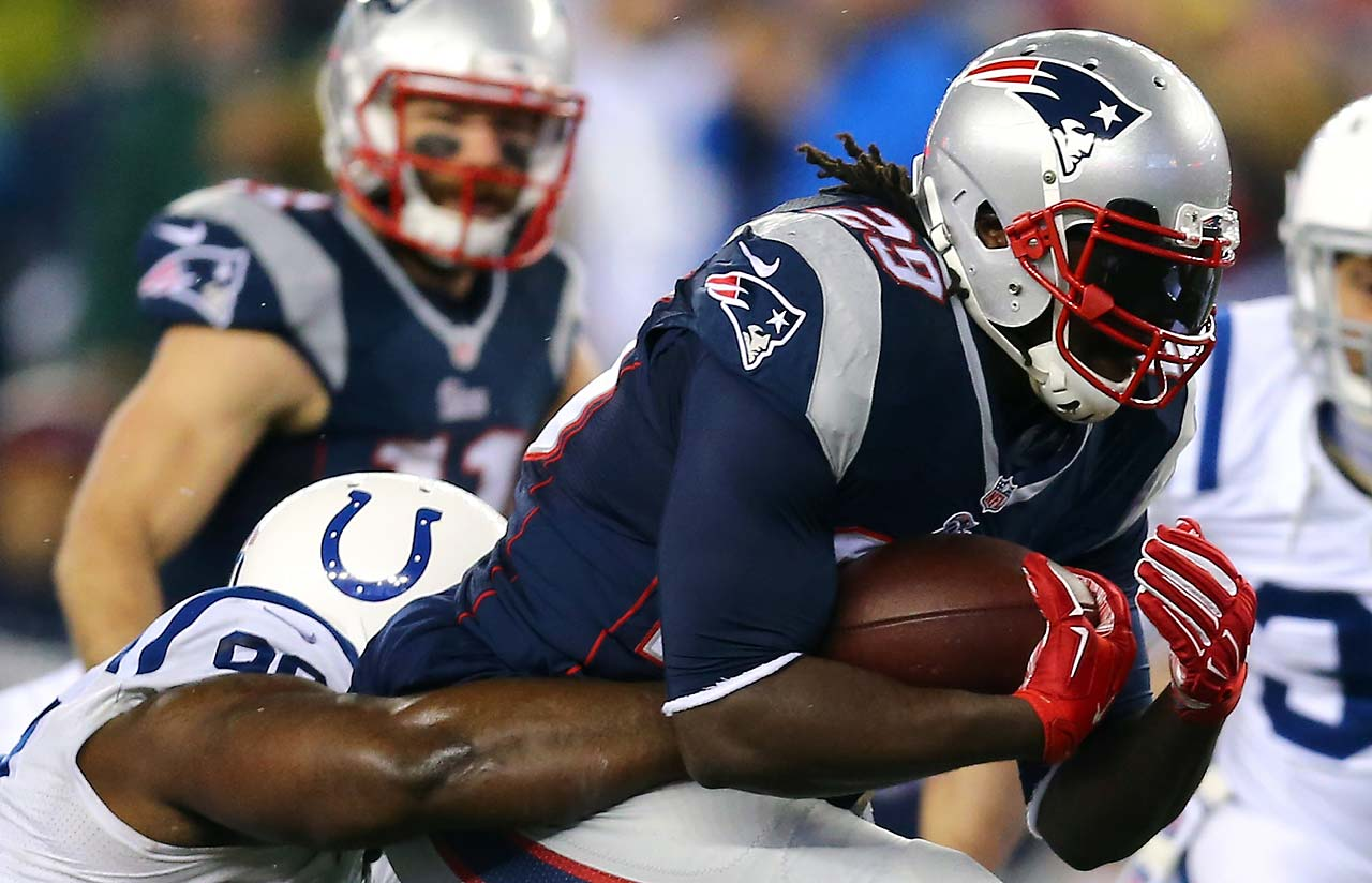 LeGarrette Blount runs with the ball in the first quarter.