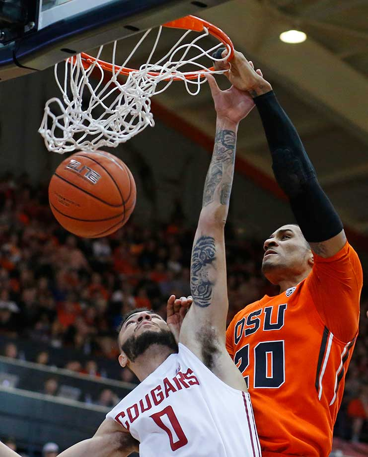 Oregon State's Gary Payton II surprised his dad by wearing his No. 20 jersey on Senior Day and proceeded to throw down 13 points with eight assists and seven rebounds.