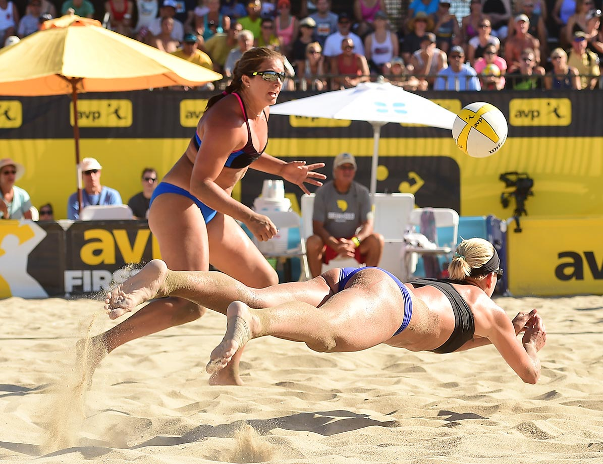 Britt Hochevar makes a great dig in front of partner Misty May-Treanor.