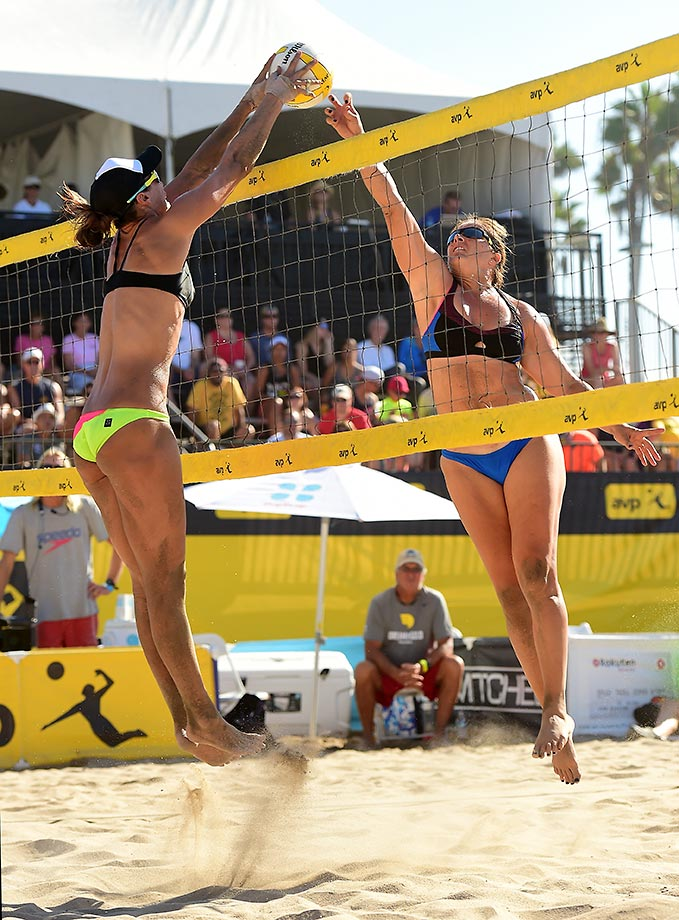 Lauren Kendrick puts the block on Misty May-Treanor.