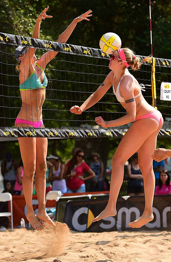 Heather Hughes (L) blocks one right back into the face of Summer Ross during their winners bracket match.