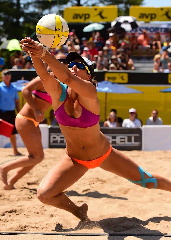 Lauren Fendrick passes to teammate Brooke Sweat in the finals. Lauren Fendrick had a great tournament as she and teammate Brooke Sweat finished second.