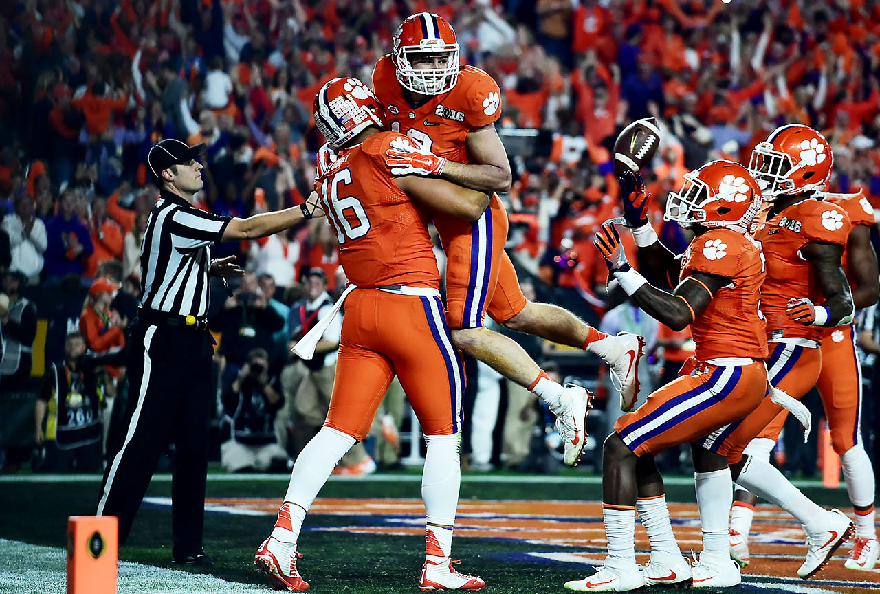 Hunter Renfrow is congratulated by teammates after one of his two first-quarter scores.