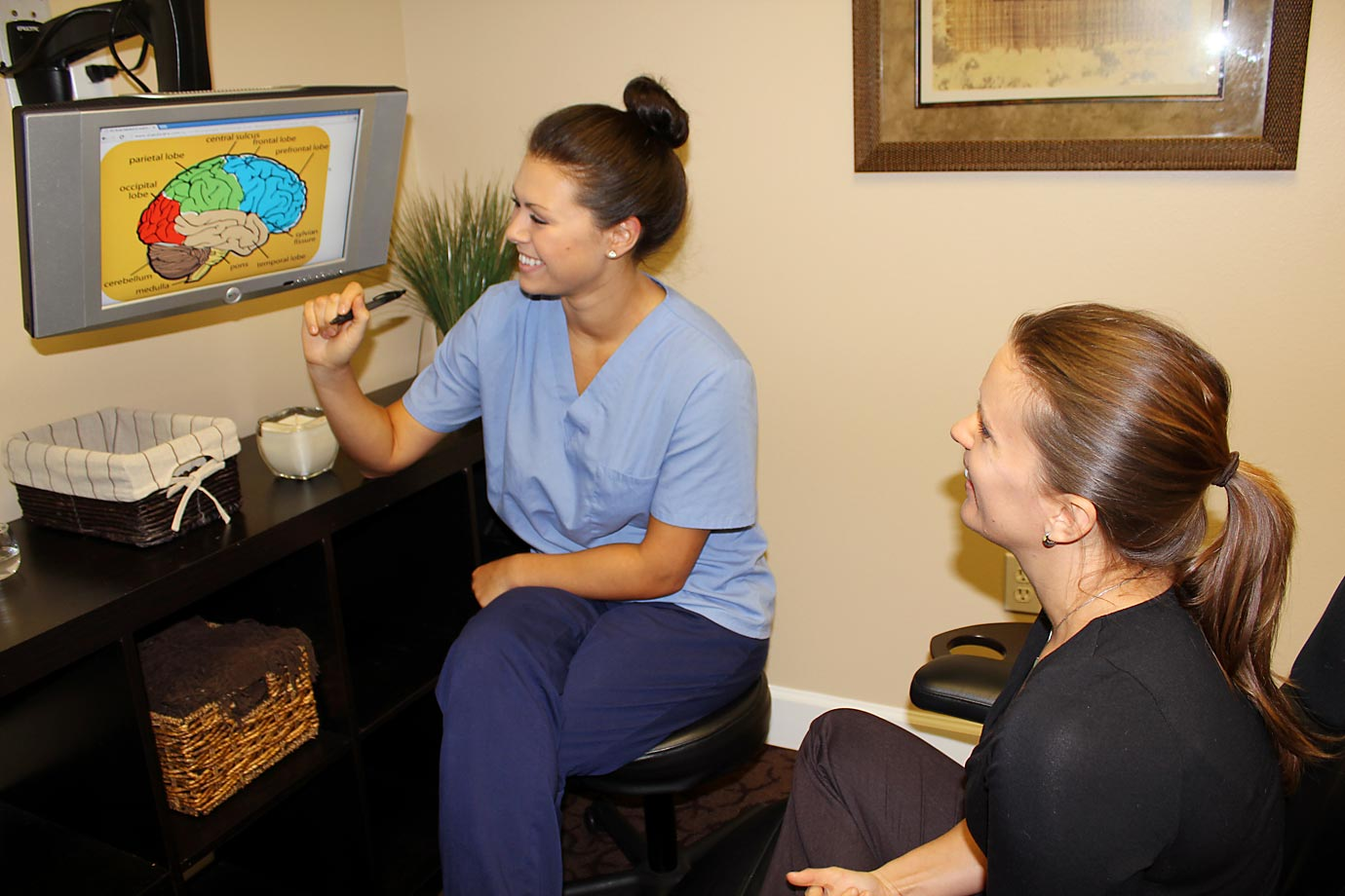 As a neurotherapist, Alexa works with patients to strengthen areas of their brain by monitoring their brain activity.