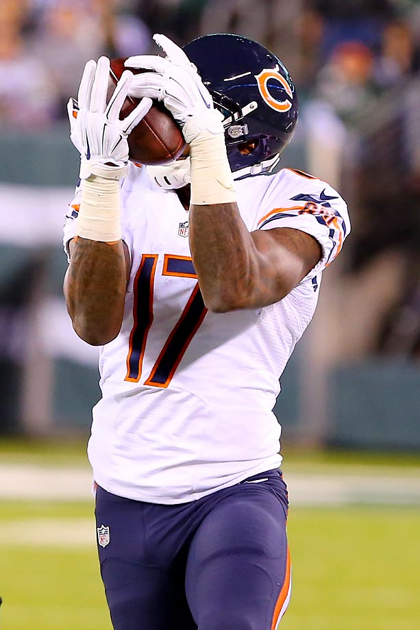 Alshon Jeffery makes the catch against the Jets.