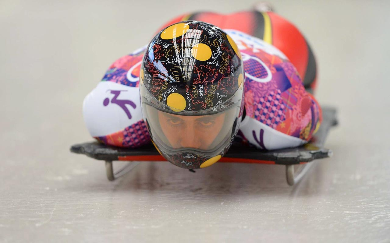 Ander Mirambell of Spain makes her run in the skeleton.