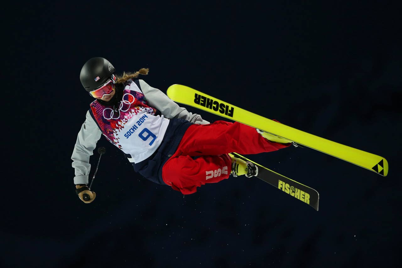 Annalisa Drew in the Ski Halfpipe qualifications.
