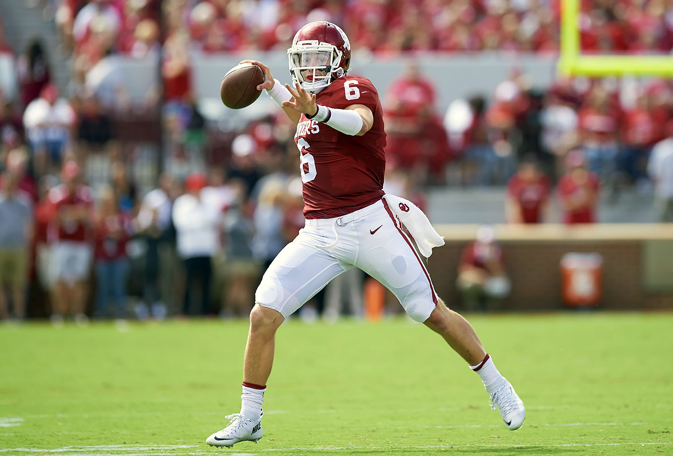 Oklahoma's quarterback took college football by storm last year, leading the Sooners to a playoff berth behind 3,700 yards passing and 43 total touchdowns. The former walk-on made a late push for the Heisman Trophy in 2015 and is a front-runner heading into 2016.