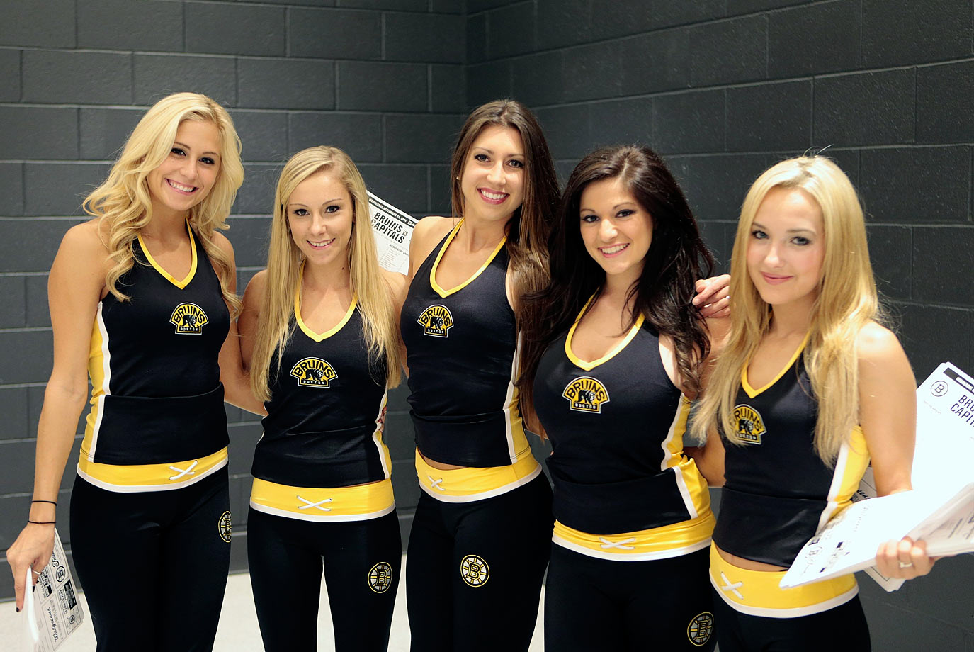 Boston Bruins Ice Girls | SI com