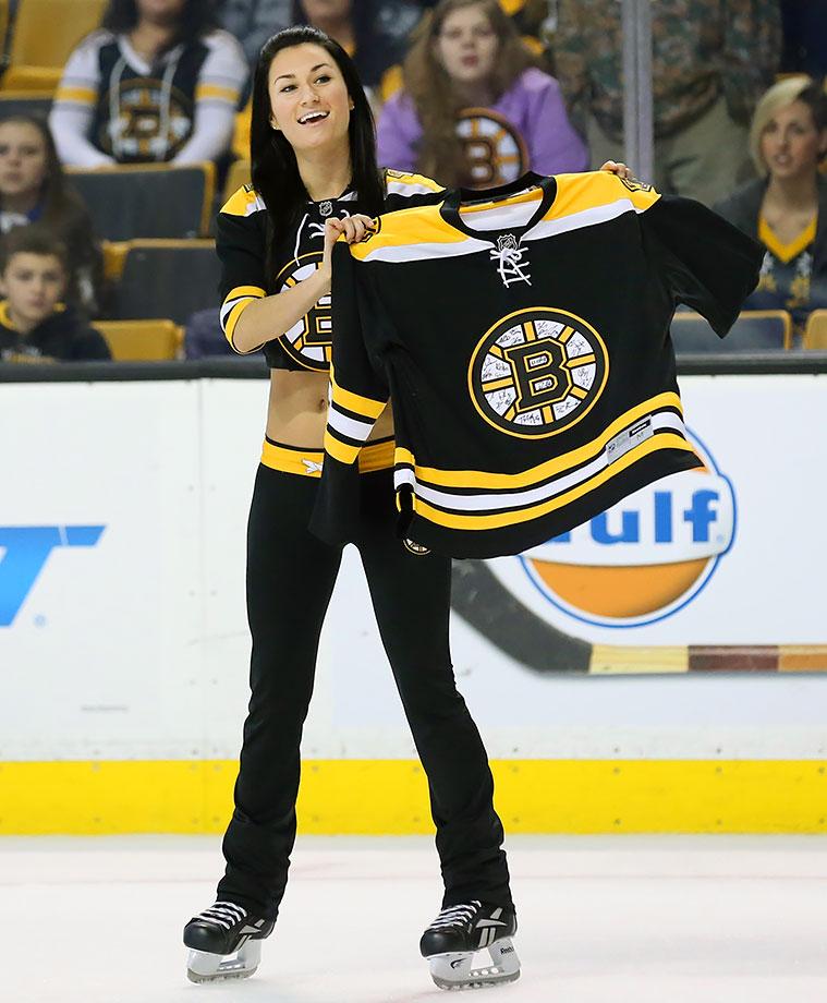 Boston Bruins Ice Girls