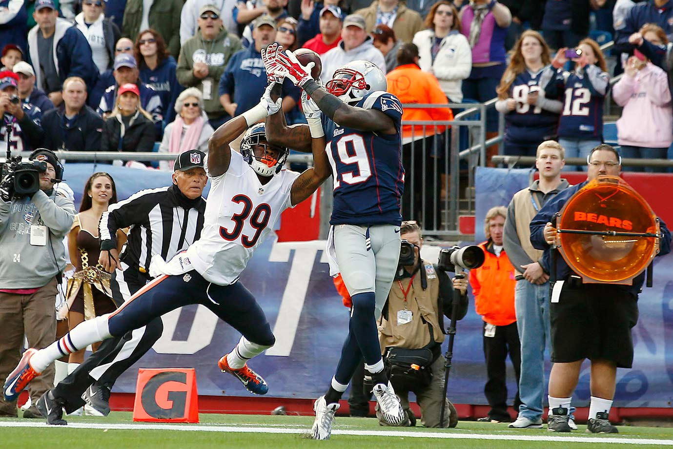 The second major cut of the offseason for the Patriots, LaFell failed to become an impact player in his second season with the team. The 29-year-old played in 11 games, starting seven of them and had 37 receptions for 515 yards. It was the first season in his six-year career in which he did not score a touchdown.