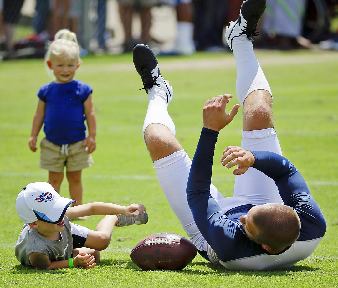 Hot Clicks: NFL Players and Their Kids at Training Camp SI.com