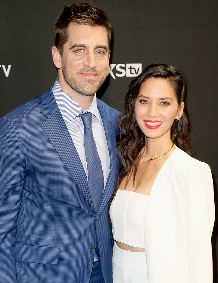 Aaron Rodgers and Olivia Munn :: DirecTV Super Saturday Night