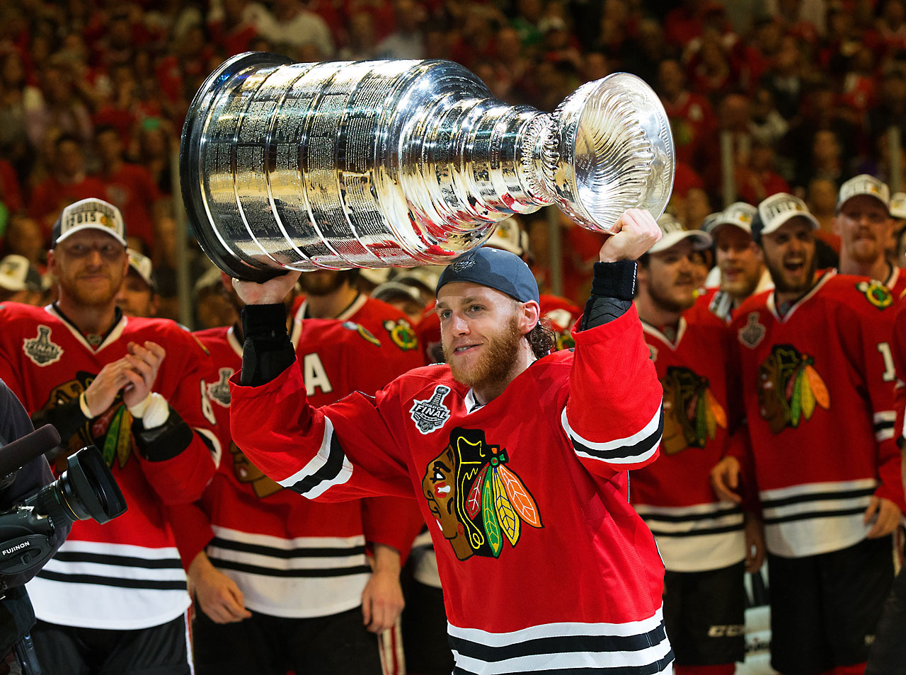 Patrick Kane had a goal and an assist in Game 6.