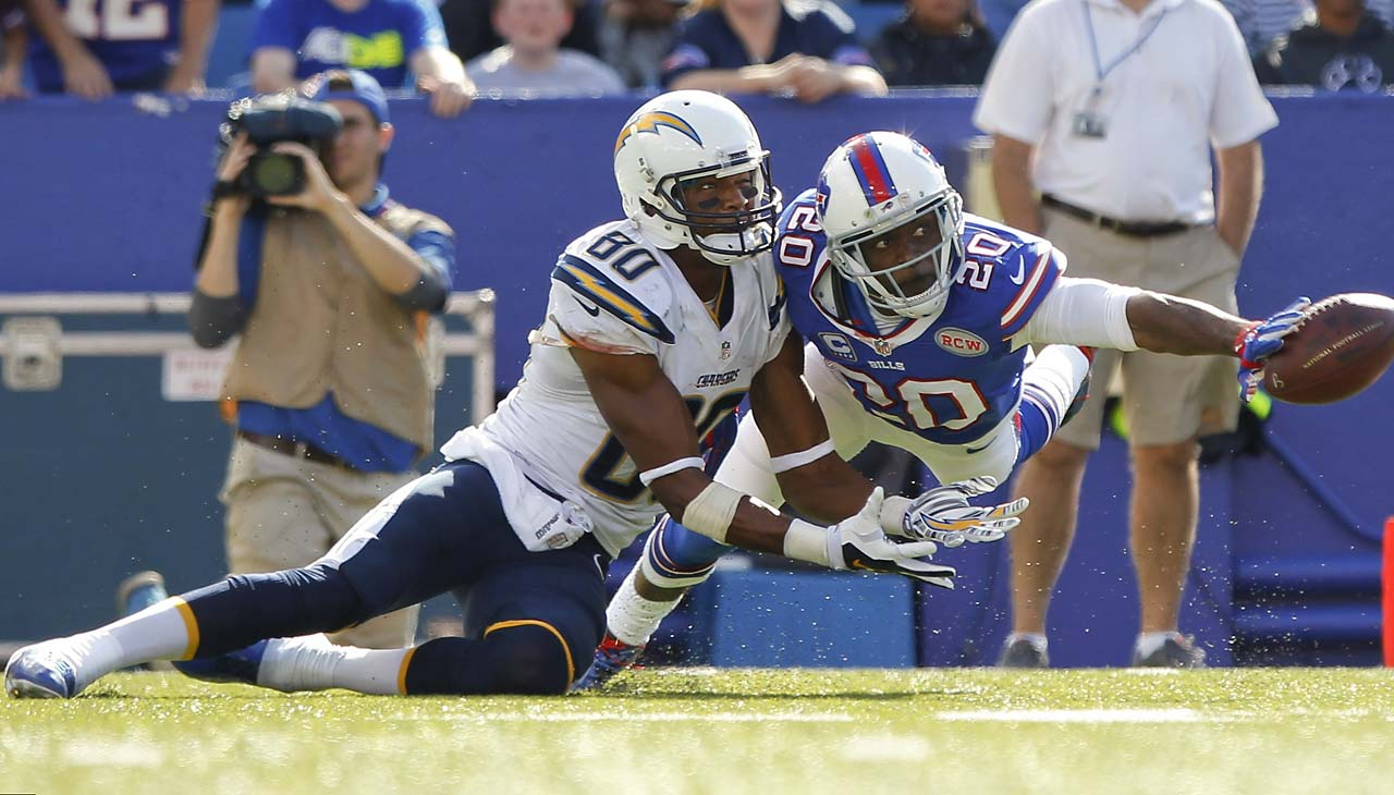 Bills cornerback Corey Graham (20) deflects a pass to San Diego Chargers' Malcom Floyd.