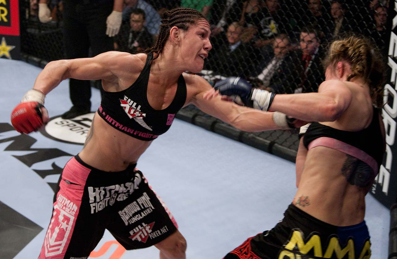 Justino defeated Marloes Coenen by way of TKO at 3:40 of the third round. Twelve of her 14 wins have been by knockout and one by submission.