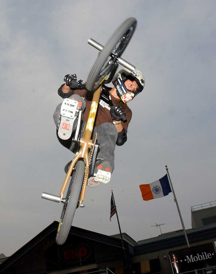 Dave Mirra during a 2004 event at South Street Seaport in New York City.